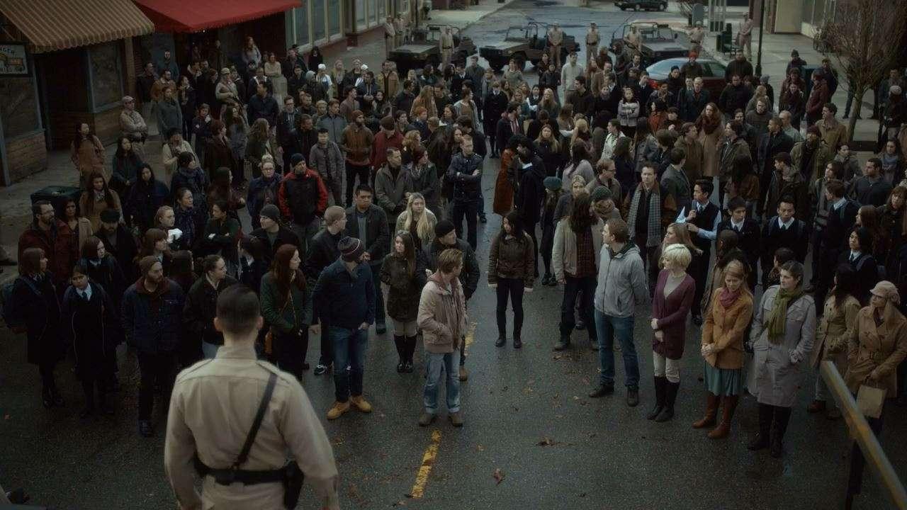 Уэйуорд Пайнс / Сосны [02 Сезон: 01-02 серии из 10] | WEB-DL 720p | LostFilm