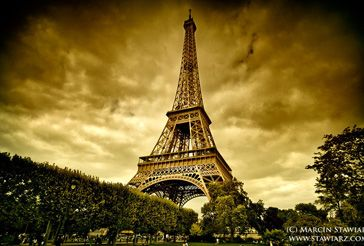 Eiffel Tower scenery12.jpg
