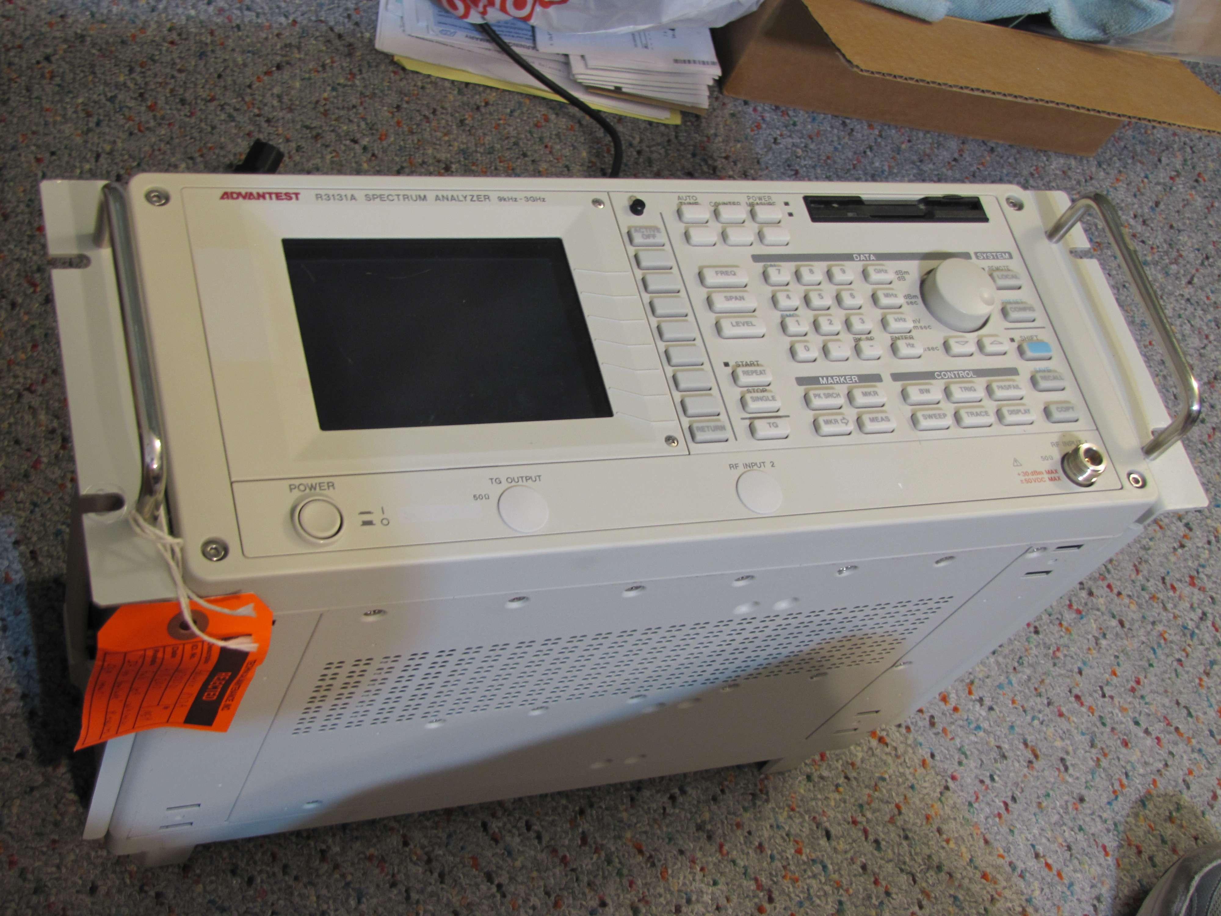 Advantest R3131A Spectrum Analyzer 9KHz-3GHz - Page 1