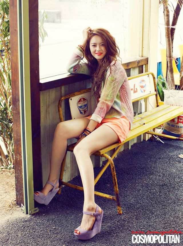 More Of Go Ara For Cosmopolitan Korea S May Issue 2013