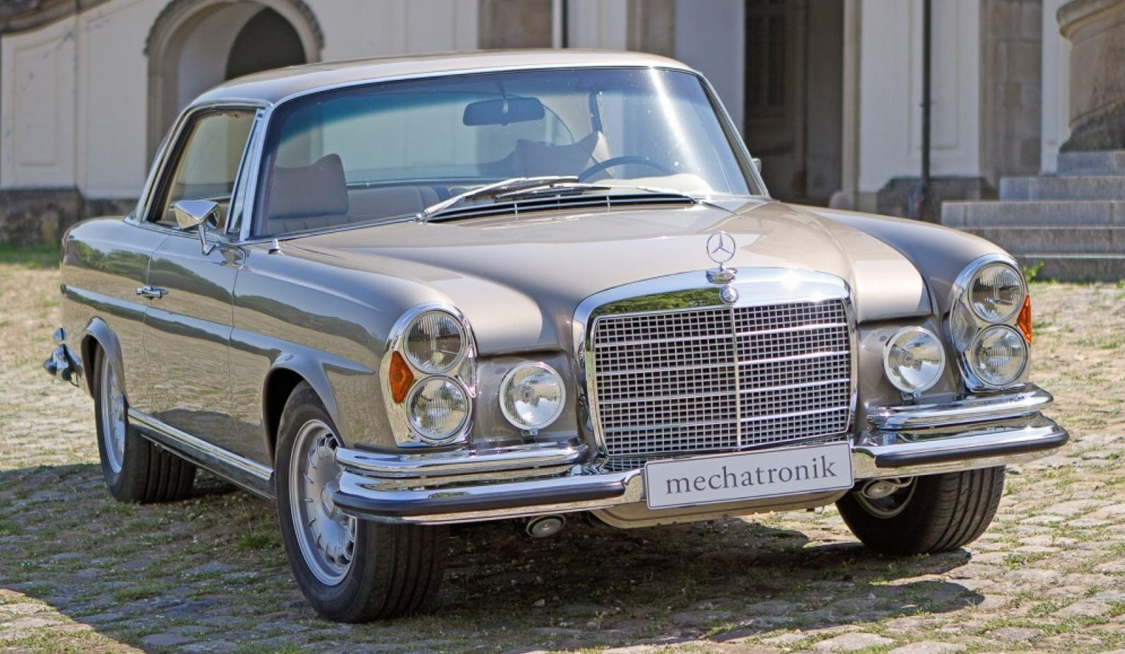 mercedes benz w111 280 se 3 5 coupe amg by mechatronik. Black Bedroom Furniture Sets. Home Design Ideas