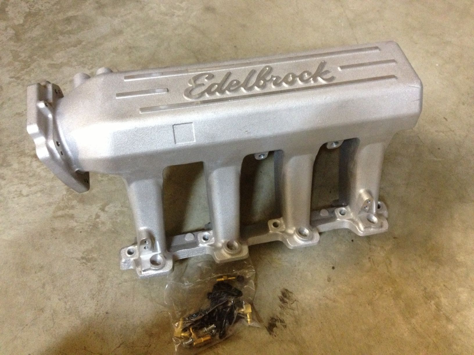 Edelbrock pro-flo xt intake manifold and stock LS1 throttle
