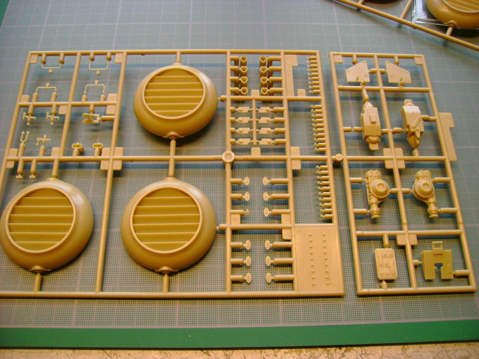 Review kit P.K.H NUTCRACKER   Serie MK04 1/35......By Hasegawa. Dsc03361vj