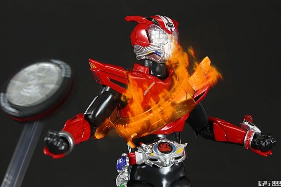 [Review] S.H. Figuarts Kamen Rider Drive type SPEED I1rJzp