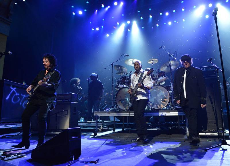 Toto - Isolation (1984) (Rock Candy Remastered 2015) - Metal