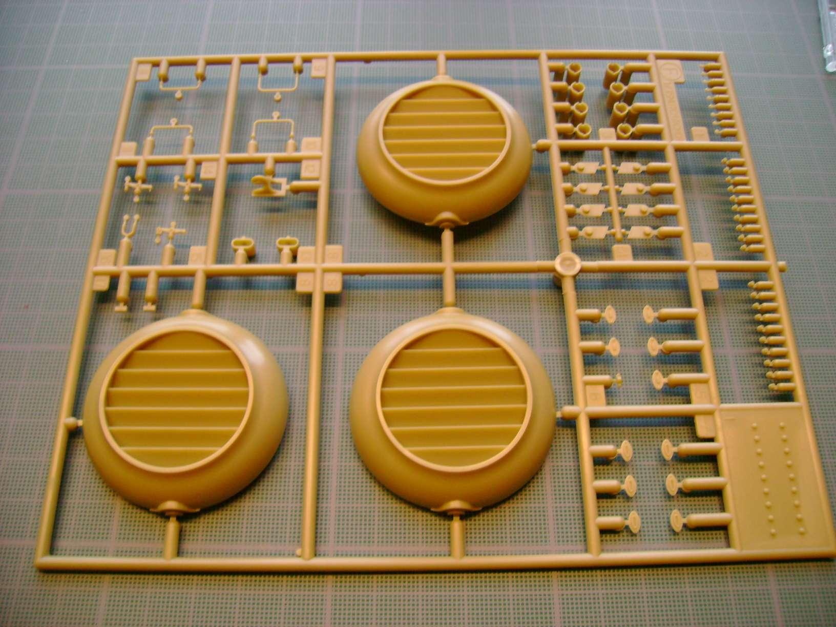 Review kit P.K.H NUTCRACKER   Serie MK04 1/35......By Hasegawa. Dsc03360r