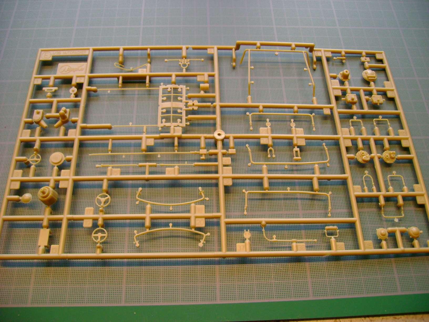 Review kit P.K.H NUTCRACKER   Serie MK04 1/35......By Hasegawa. Dsc03355k