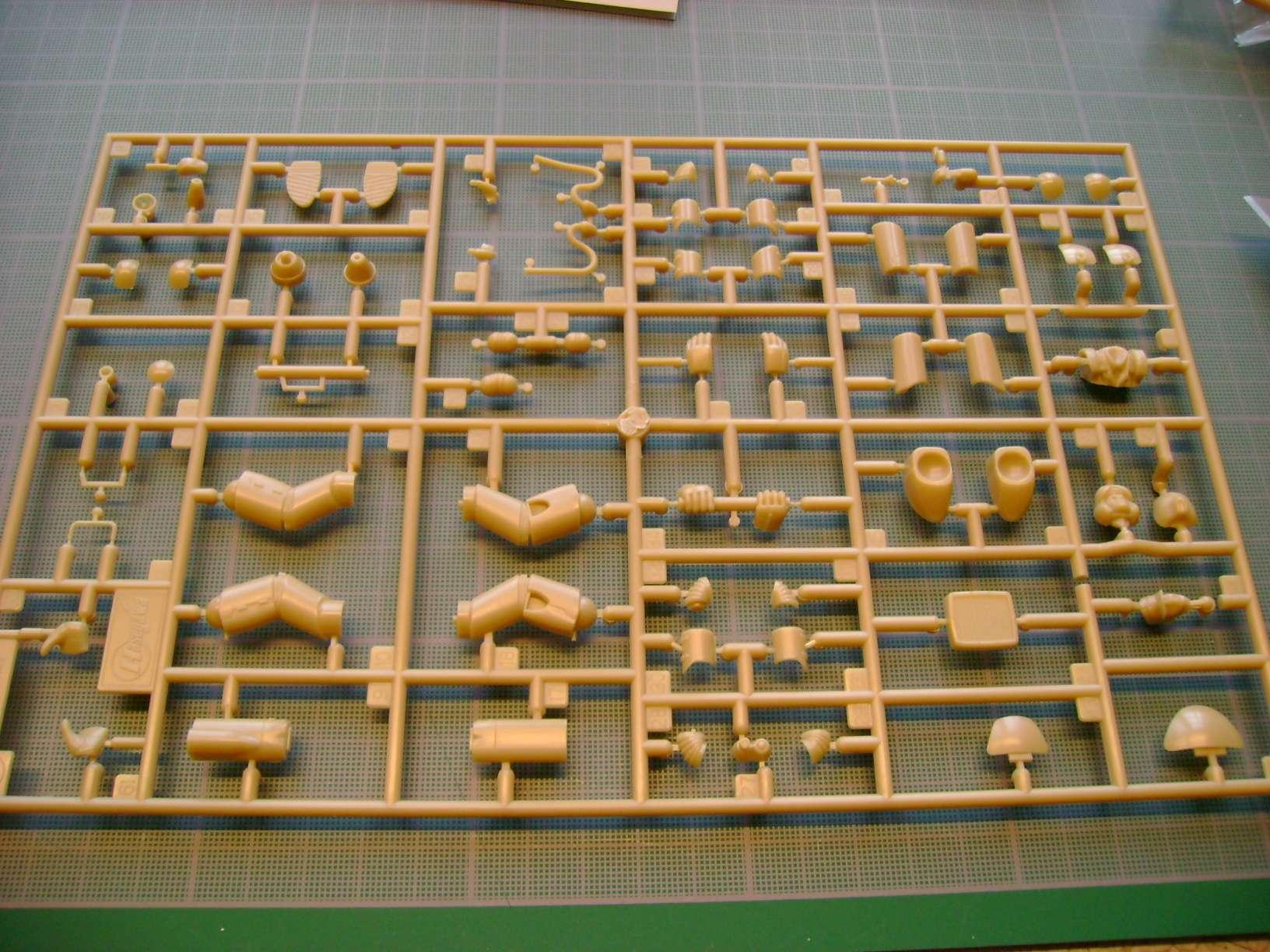 Review kit P.K.H NUTCRACKER   Serie MK04 1/35......By Hasegawa. Dsc03362q