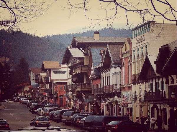 Leavenworth (Images of America)