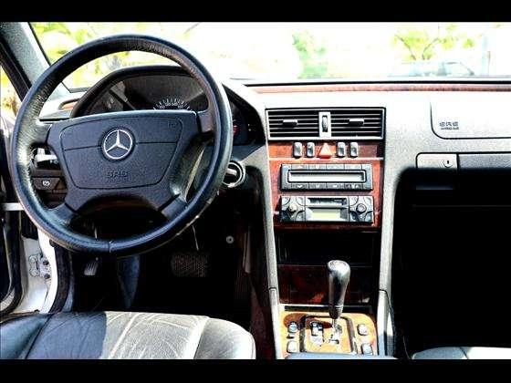 W202 C240 1999/2000 - R$ 25.900,00 0q2l
