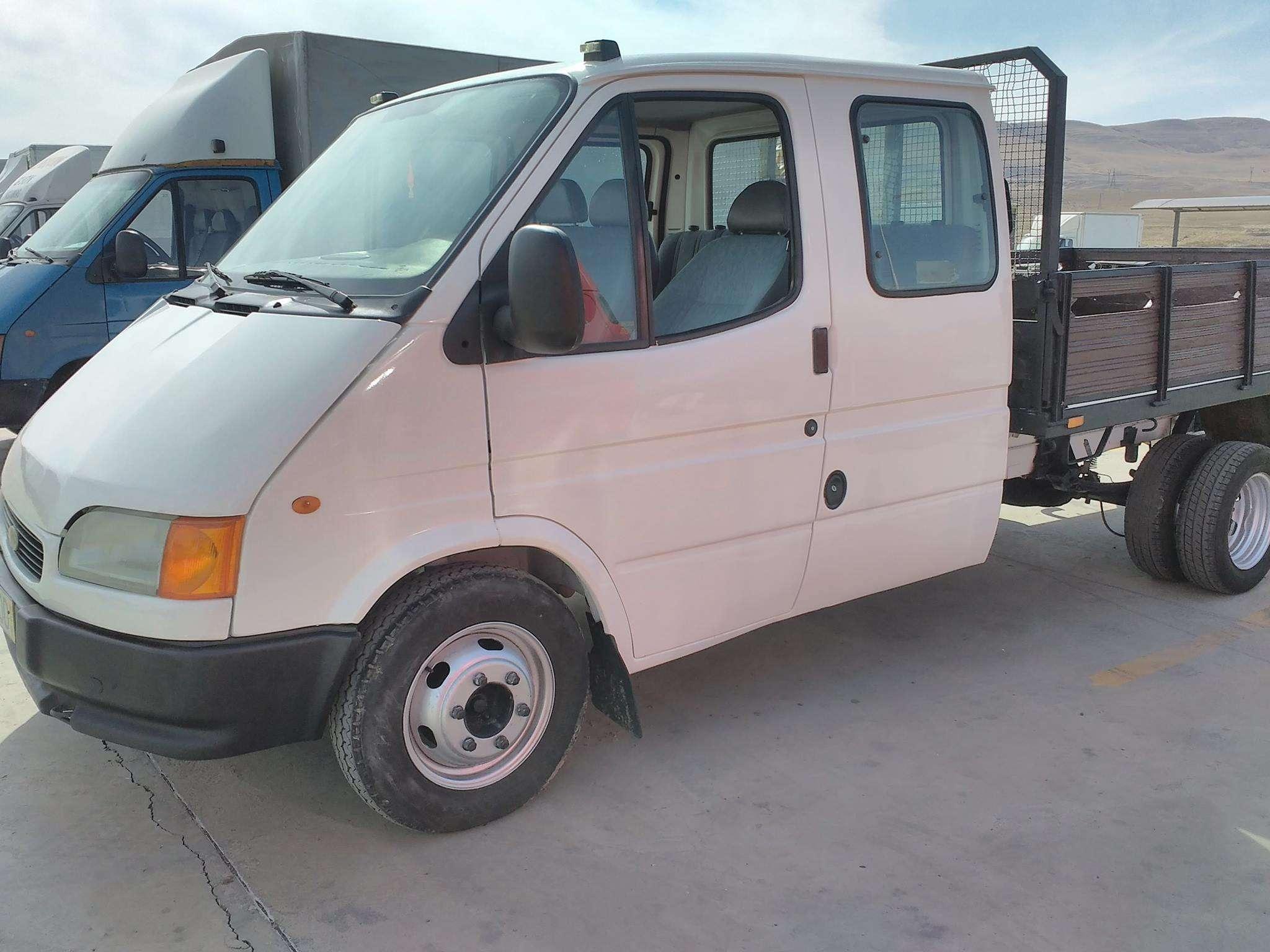 იყიდება 1999-ნი FORD Transit