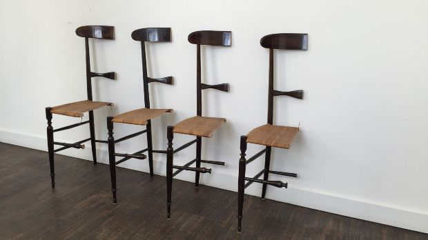 quatre chaises découpées à moitié