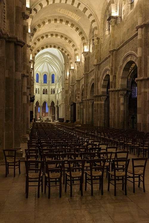 Premiers essais en architecture religieuse Q62lKp