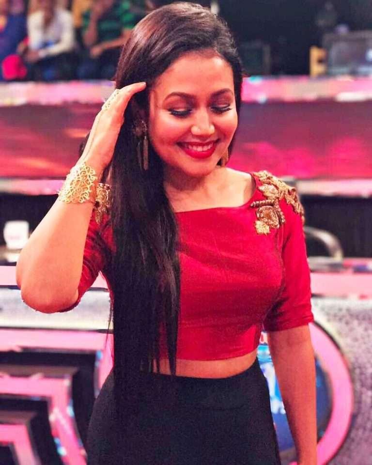 Download Neha Kakkar 2018 Hot Pics Photos Images Background