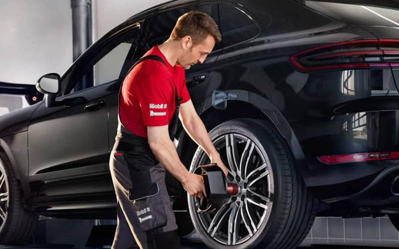 Porsche Premier Tire & Wheel Protection