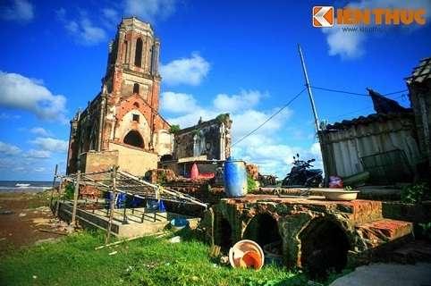 Công trình này vốn là nhà thờ Trái Tim của giáo xứ Xương Điền, được xây dựng năm 1943 theo thiết kế của người Pháp.