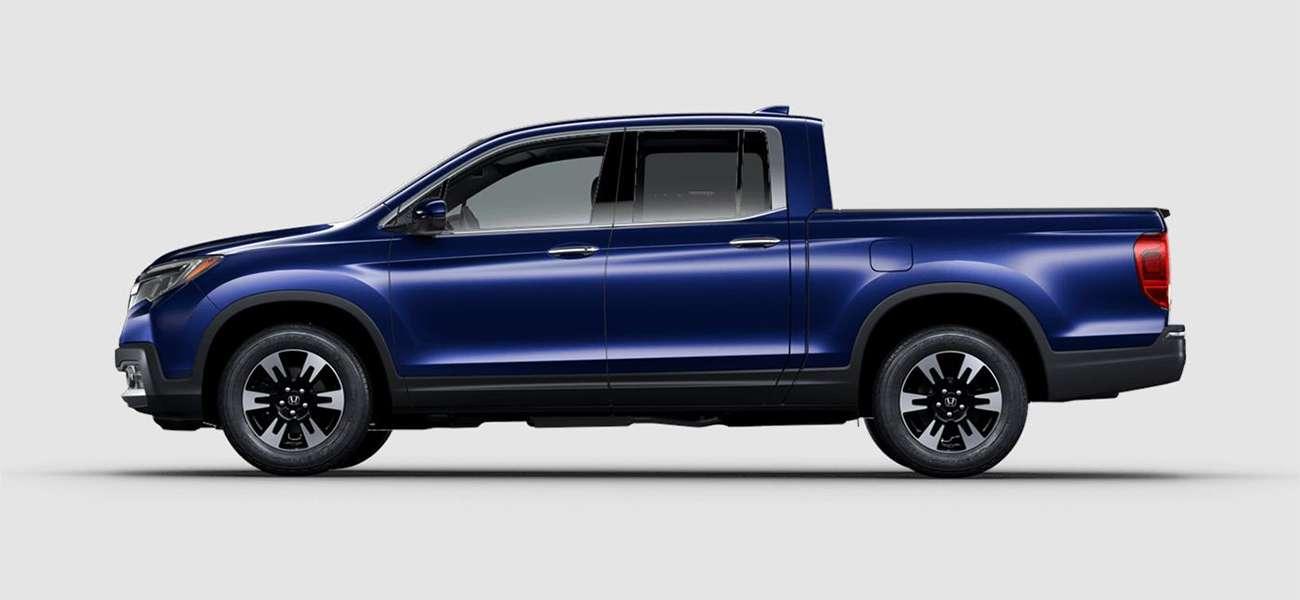 2018 Honda Ridgeline RTL-E in Obsidian Blue