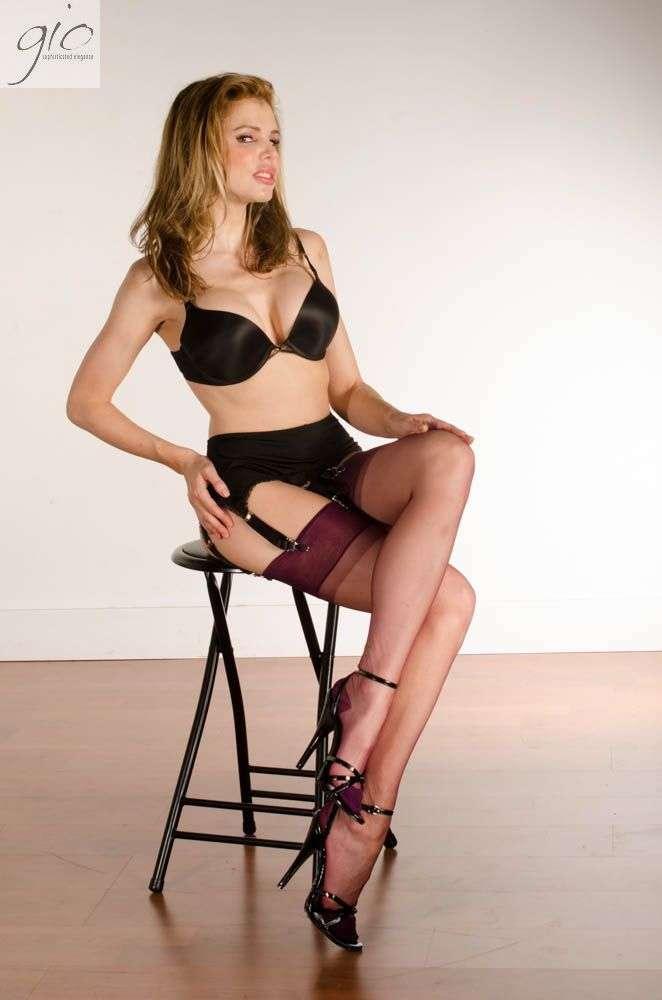 Has come vintage rht nylon stockings hope