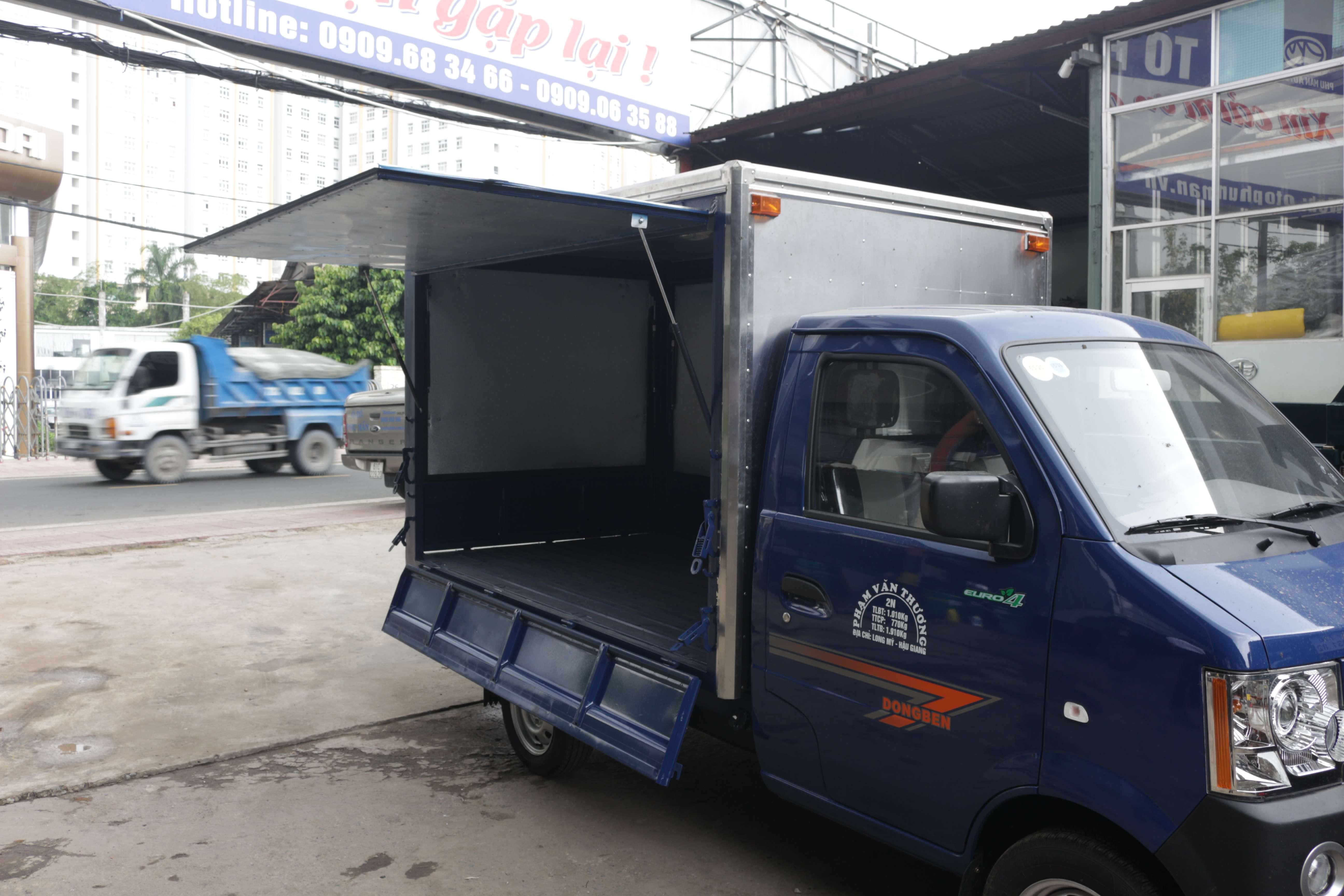 Ngoại thất xe tải dongben 870kg thùng kín cánh dơi