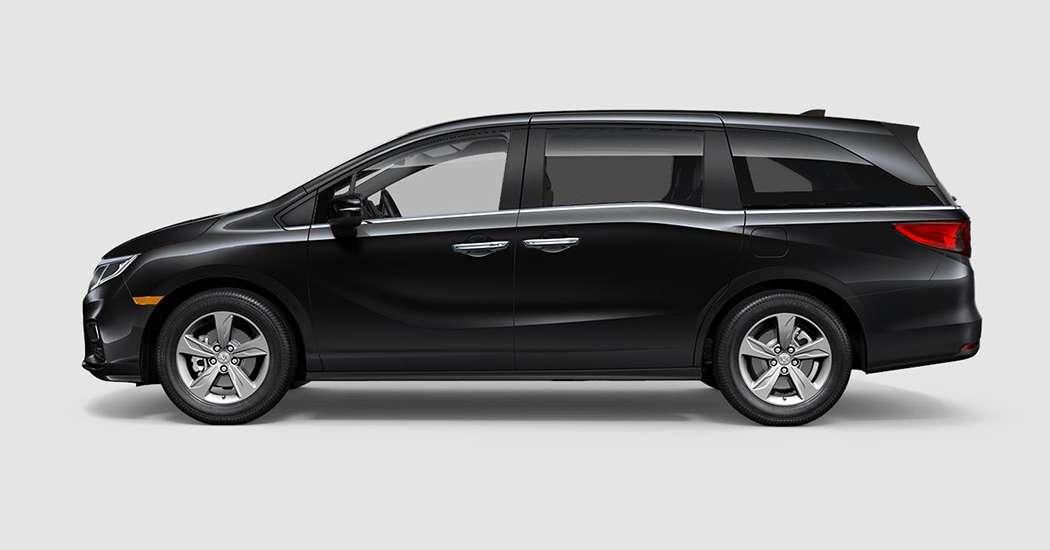 2018 Honda Odyssey EX in Crystal Black