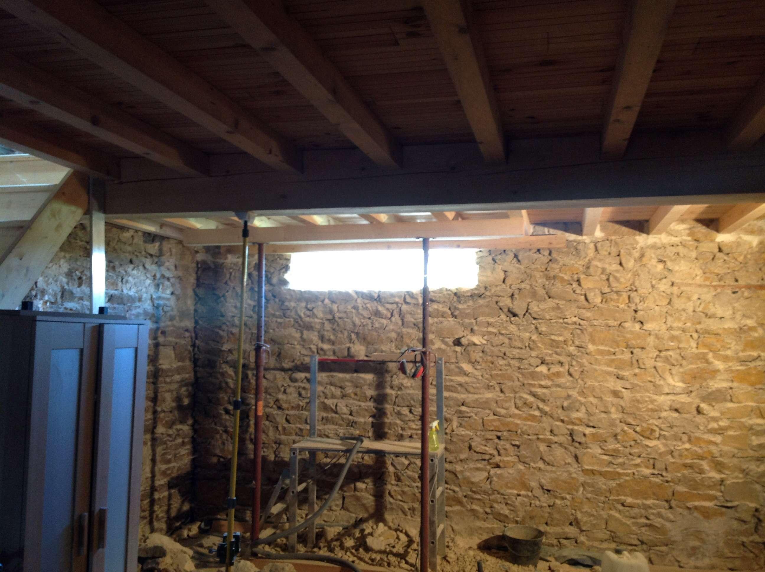 Mur Exterieur En Planche De Coffrage création d'ouvertures dans un mur en pierre - à l'étage