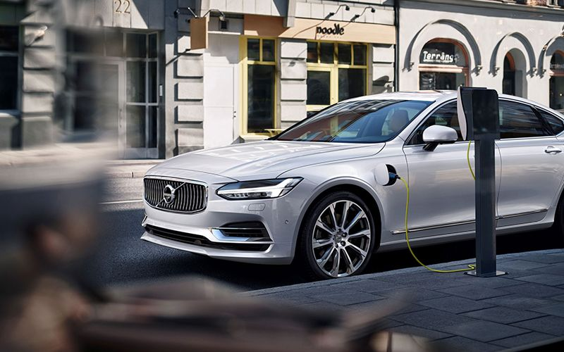 2017 Volvo S90 T8 Charging Pure Battery Electric Vehicle