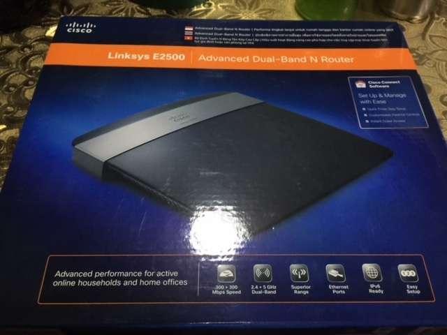 TipidPC com - Cisco Linksys E2500 N600 Dual-Band Wi-Fi Router