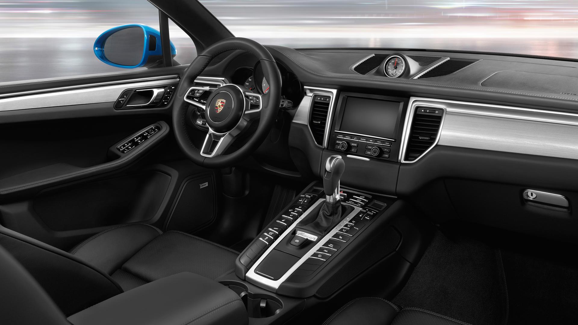 2018 Porsche Macan Front Seating