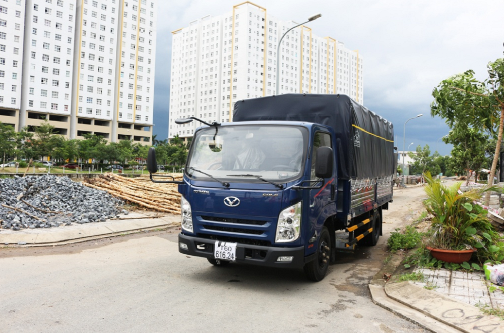 Xe tải hyundai đô thành iz65 mui bạt