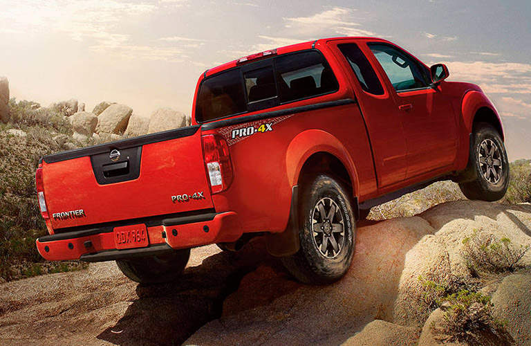 nissan frontier vs toyota tacoma comparison i 90 nissan. Black Bedroom Furniture Sets. Home Design Ideas