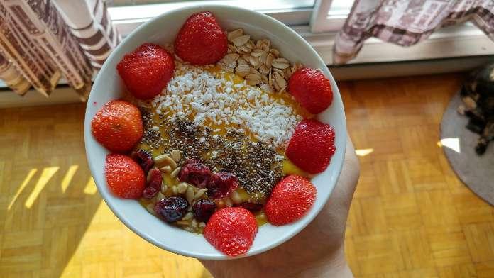 Smoothie bowl à la papaye, mangue et garam masala - Vegan Dan