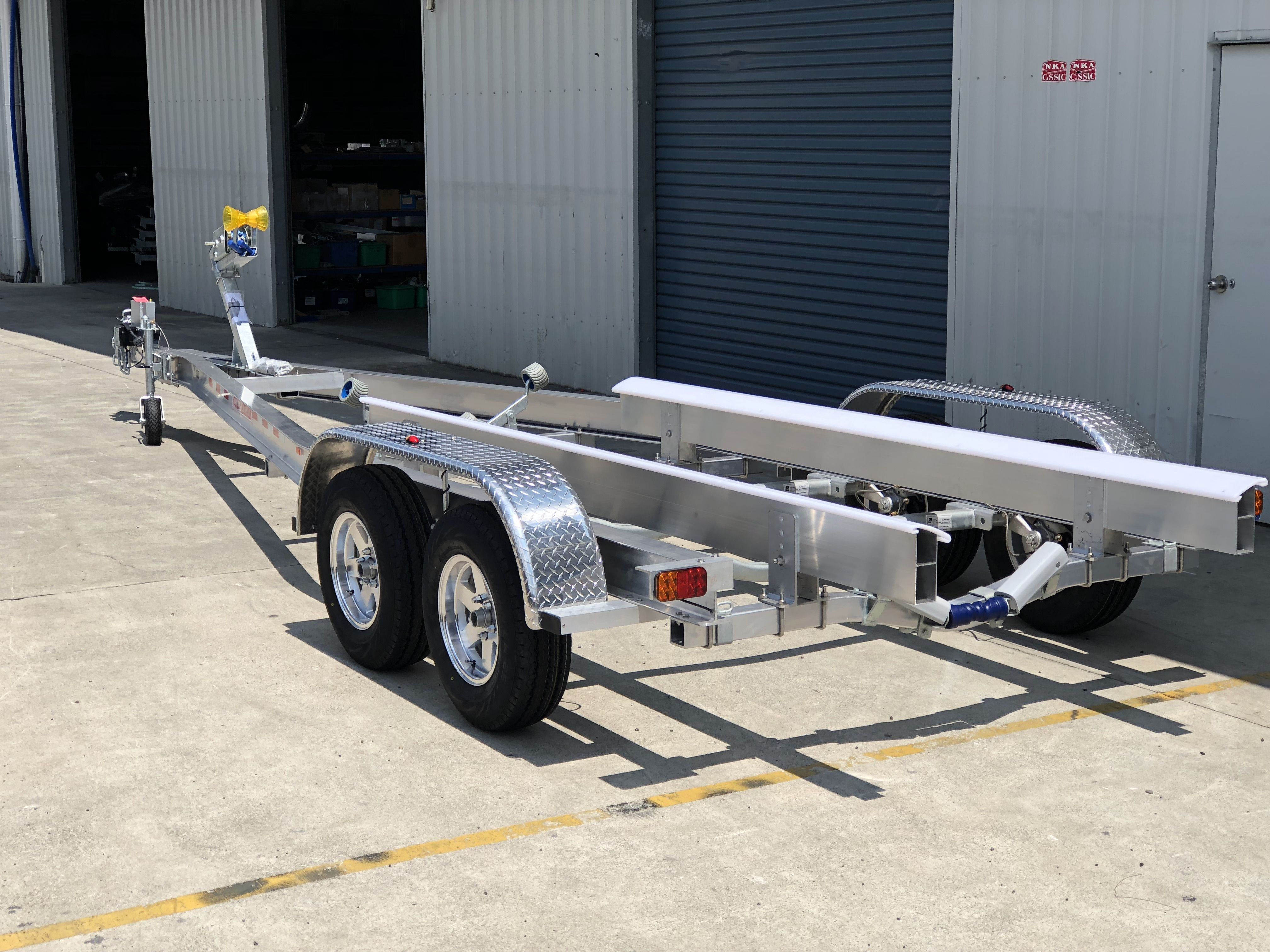 TA700T-EH Aluminium Boat Trailer
