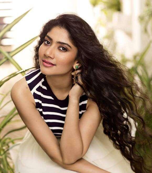Beautiful Actress Sai Pallavi Hd Wallpapers Images And Photo