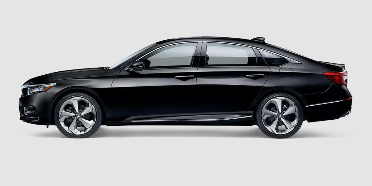 2018 Honda Accord Touring in Crystal Black