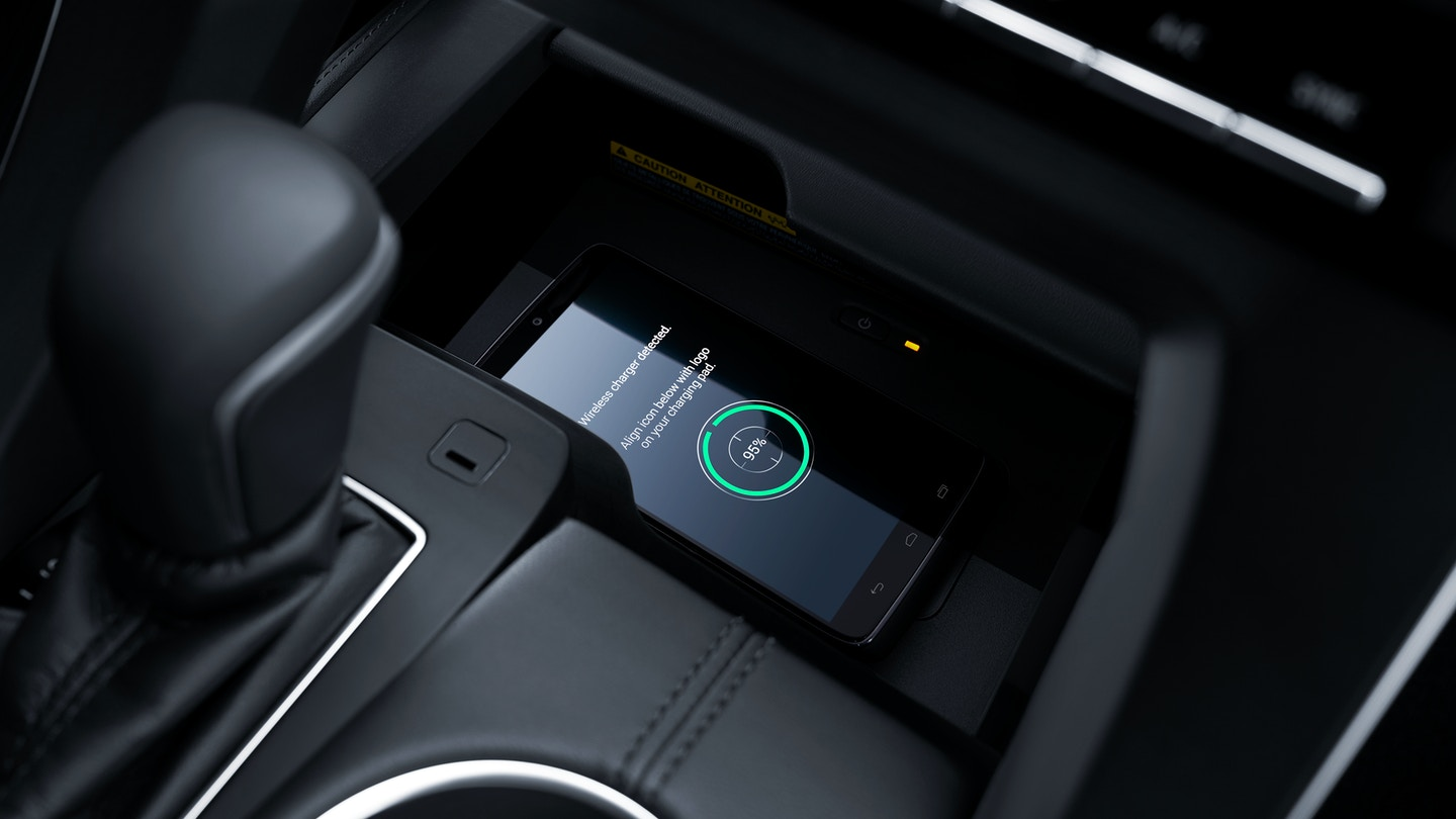 2019 Toyota Avalon Qi Wireless Smartphone Charger