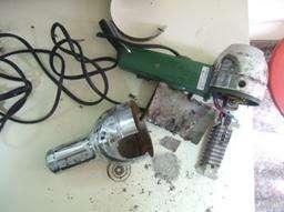 Da Reggio Calabria ci giunge questa segnalazione di un Phon professionale costruito fino al 1991 e contenente asbesto (nella foto). Il barbiere che lo utilizzava è morto per un mesotelioma pleurico.></body></html>