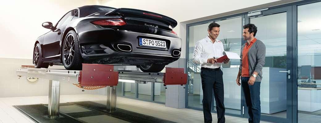 Porsche Service Advisor