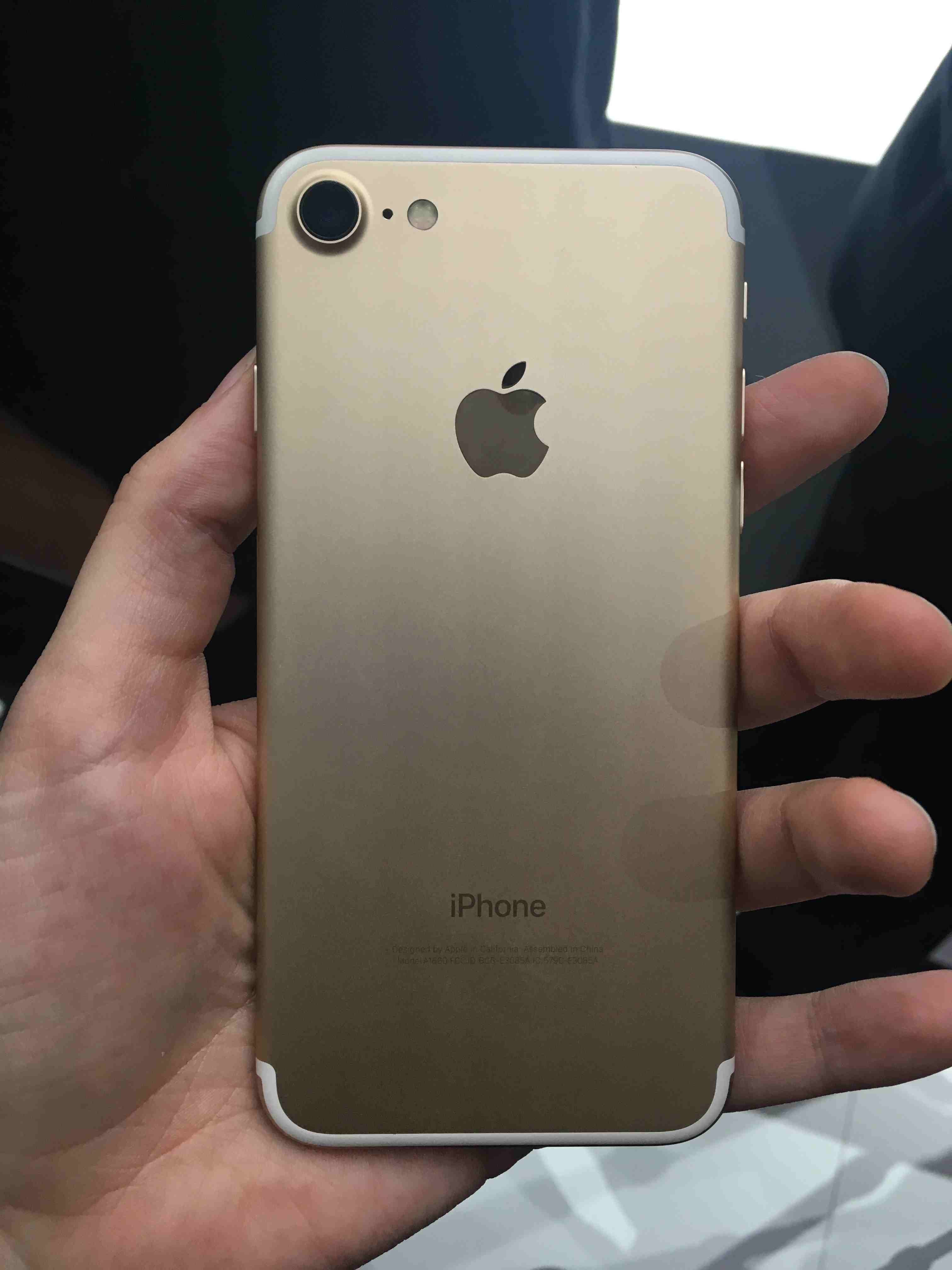 Iphone 7 128gb Gold Lte Iphone7 Cp Num 0998 3993 408 Hola I Am Selling My