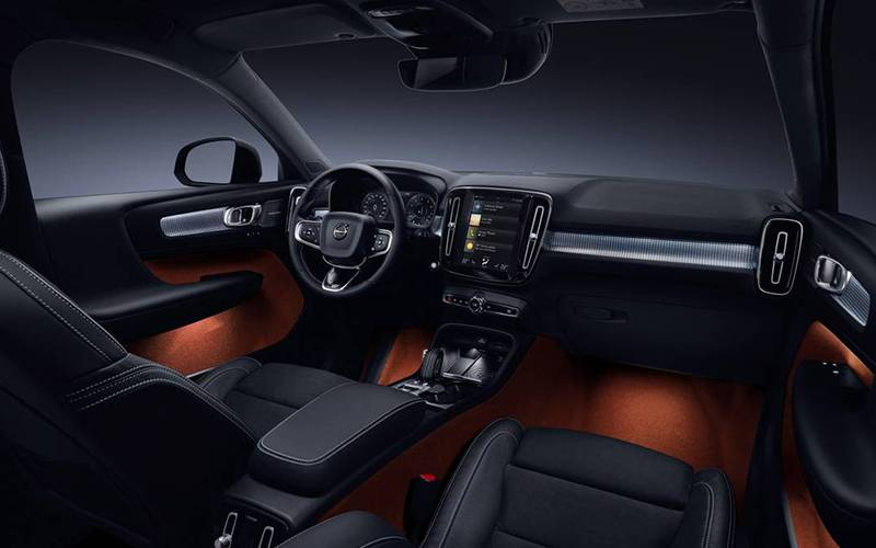 2019 Volvo XC40 R-Design Interior