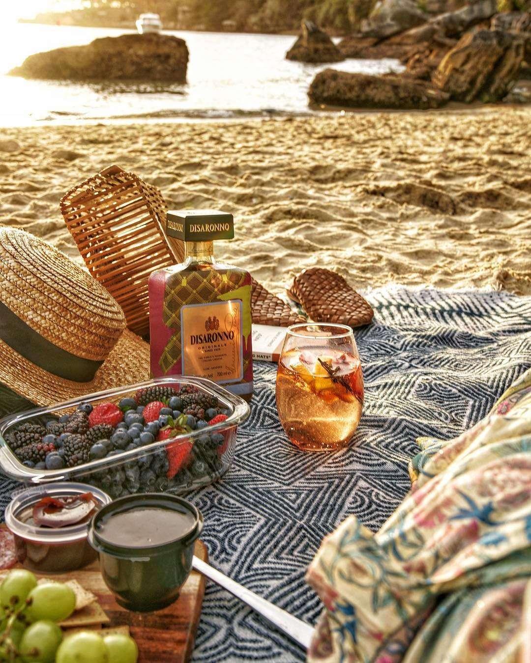 Disaronno x Trussardi, Beach Picnic Inspiration