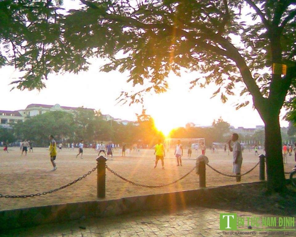 Sân Bóng Quảng Trường Nam Định