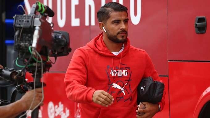 Miguel Ponce responde a un aficionado de Chivas