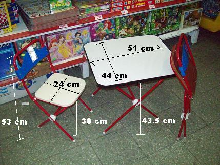 mesa y sillas en jugueteria tribilinbb