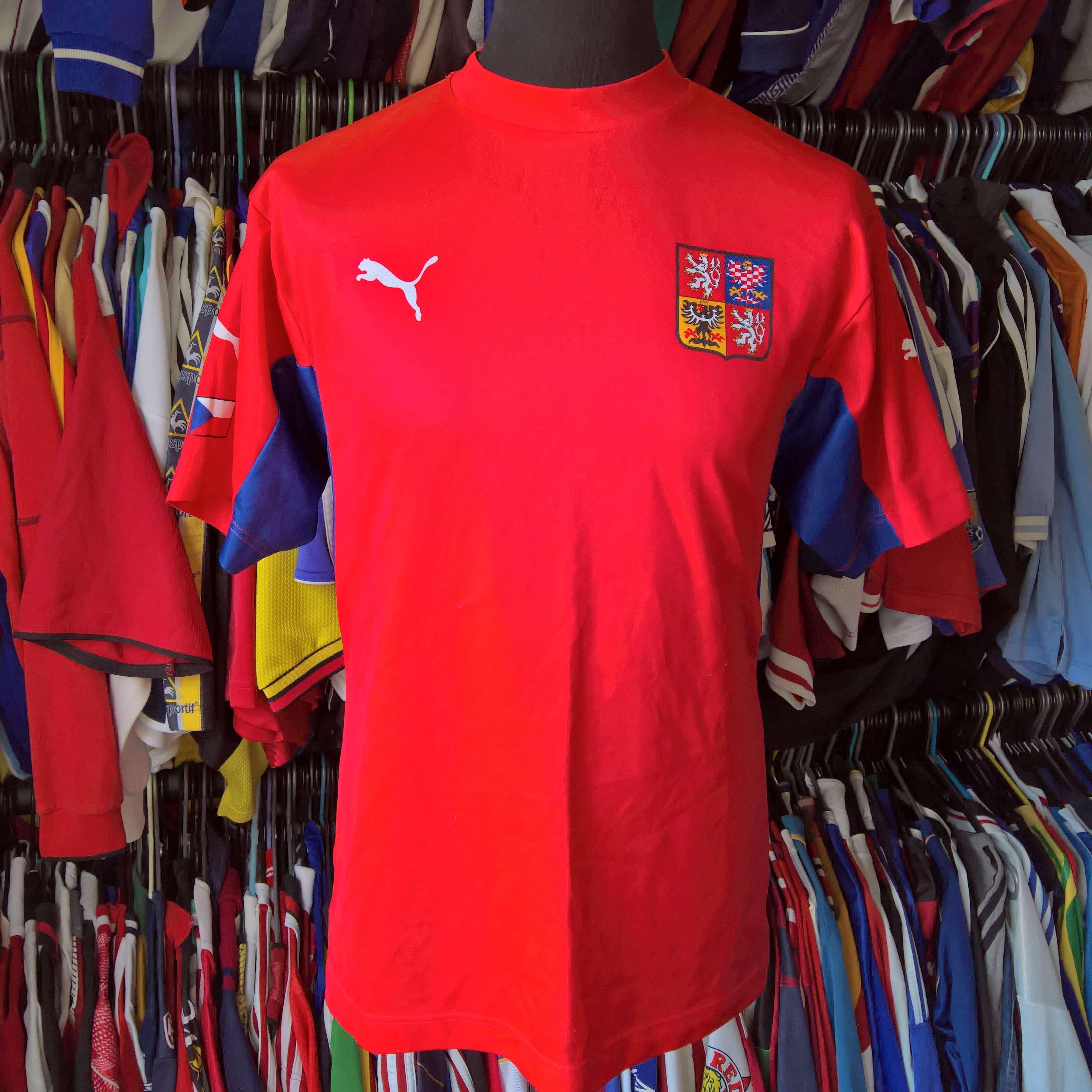 5c702b6a370 CZECH REPUBLIC 2002 HOME FOOTBALL SHIRT FAN TOP PUMA JERSEY SIZE ...