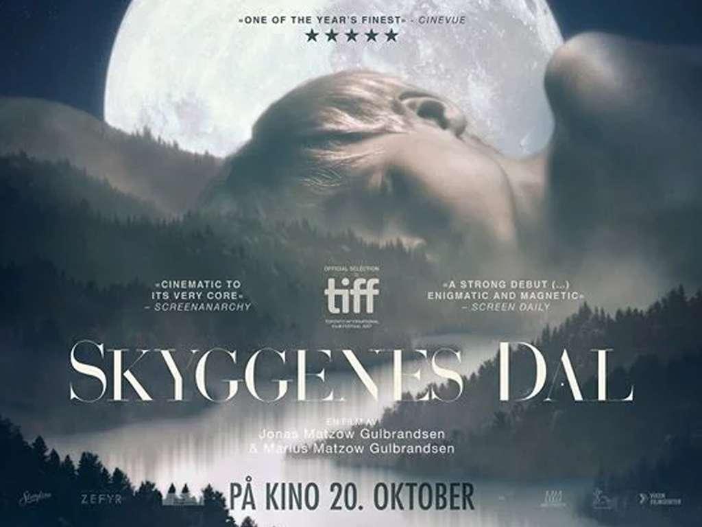 Η Κοιλάδα των Σκιών (Skygennes Dal / Valley of Shadows) Quad Poster Πόστερ