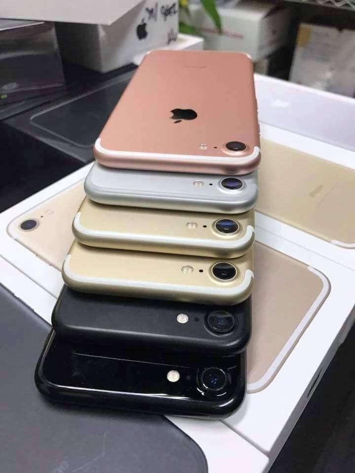 iPhone xách tay cái gai trong mắt các ông lớn bán lẻ ?
