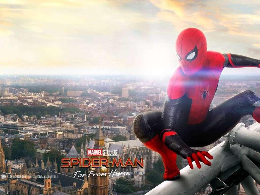 Spider-Man: Μακριά από τον Τόπο του (Spider-Man: Far From Home) Quad Poster Πόστερ