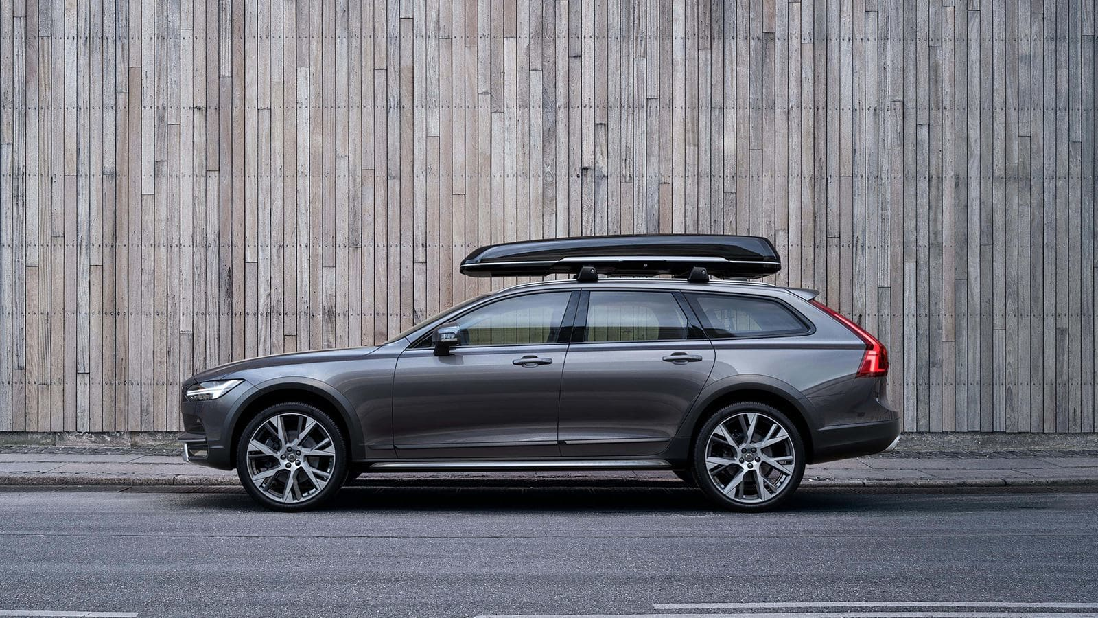 2020 Volvo V90 Specification Performance and New Engine