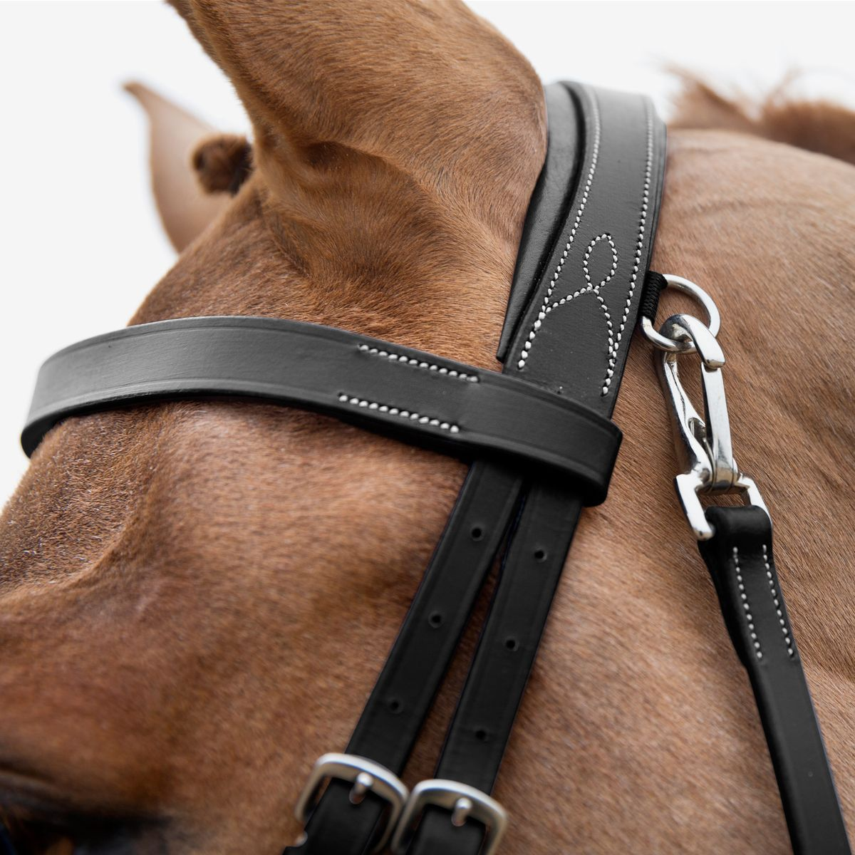 Horze-Supreme-Sparta-Hunter-Bridle-with-Wide-Browband-and-Detachable-Flash miniature 17