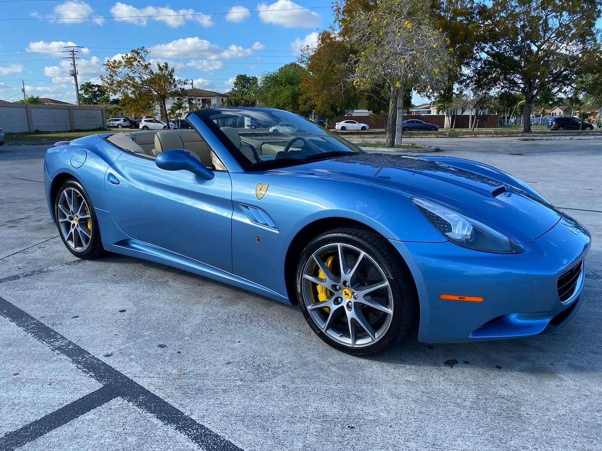 2011 Ferrari California $197K MSRP! LOW MILES RARE AZZURRO ...
